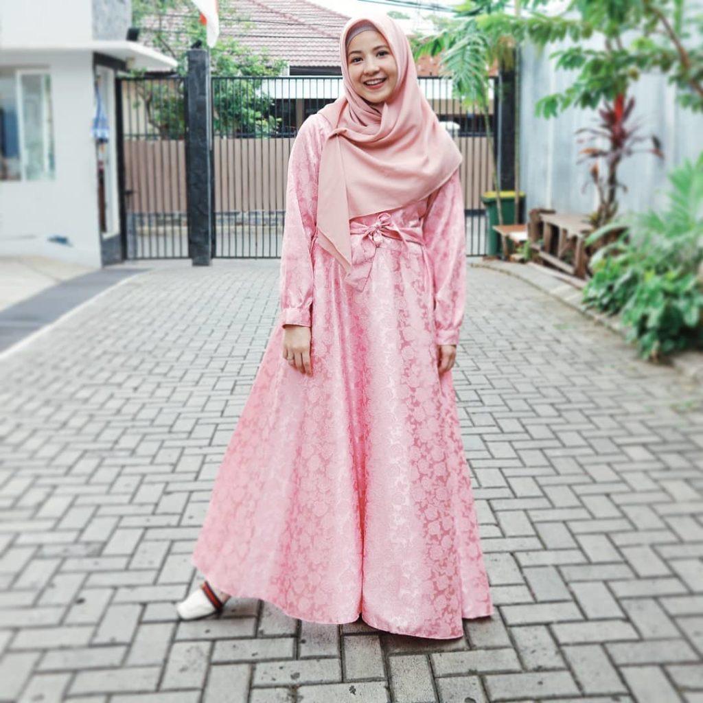 Model Gaun Kebaya Untuk Orang Gemuk