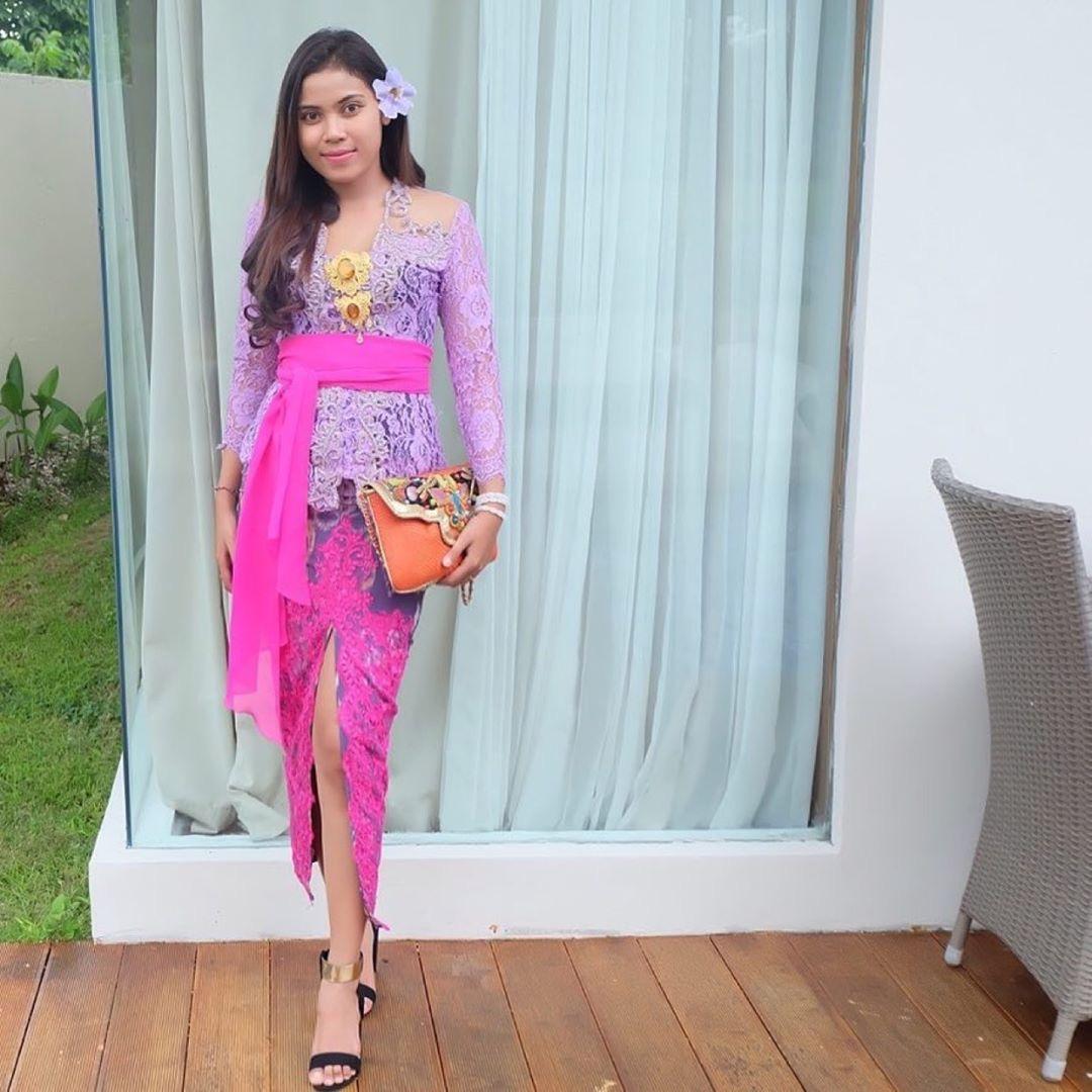 Model Kebaya Bali Cantik