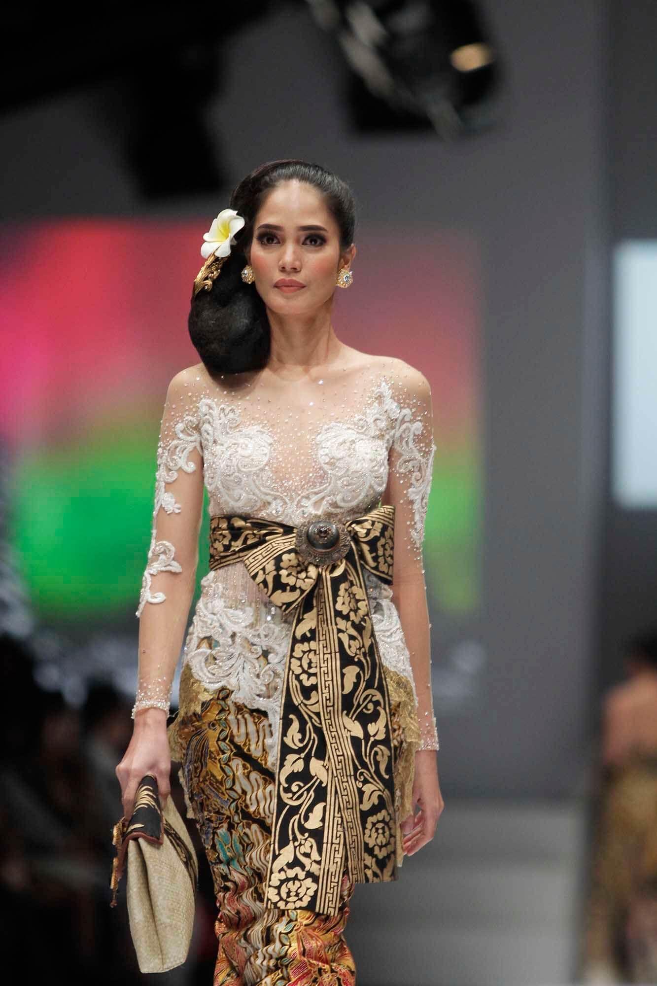 Model Kebaya Bali Modern 2020