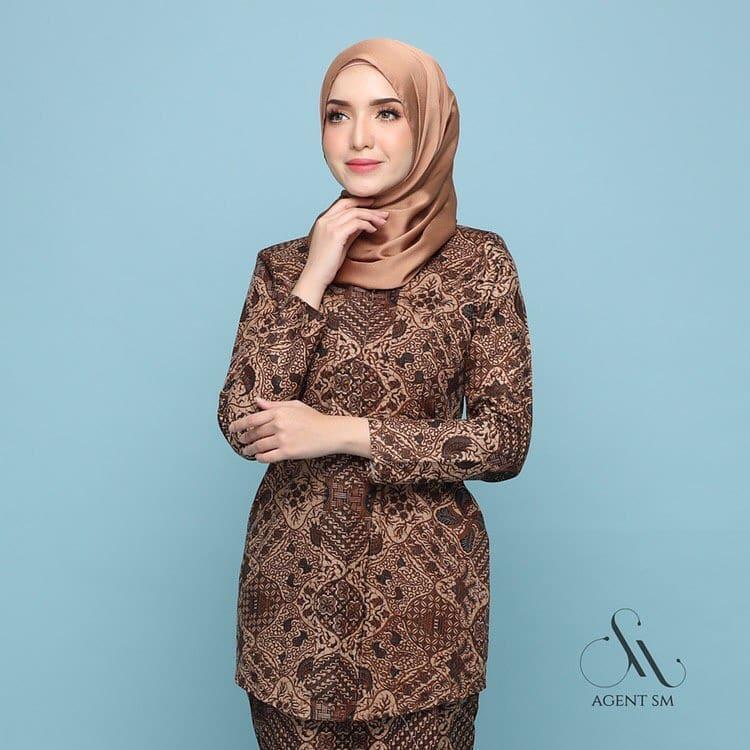 Model Kebaya Batik Modern Terbaru 2020