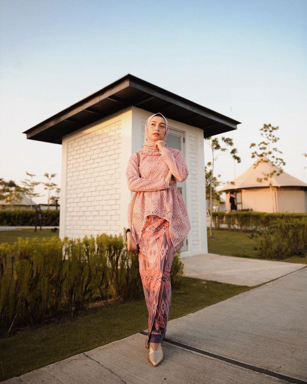 Model Kebaya Batik Muslim Modern