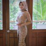 Model Kebaya Brokat untuk Resepsi Pernikahan