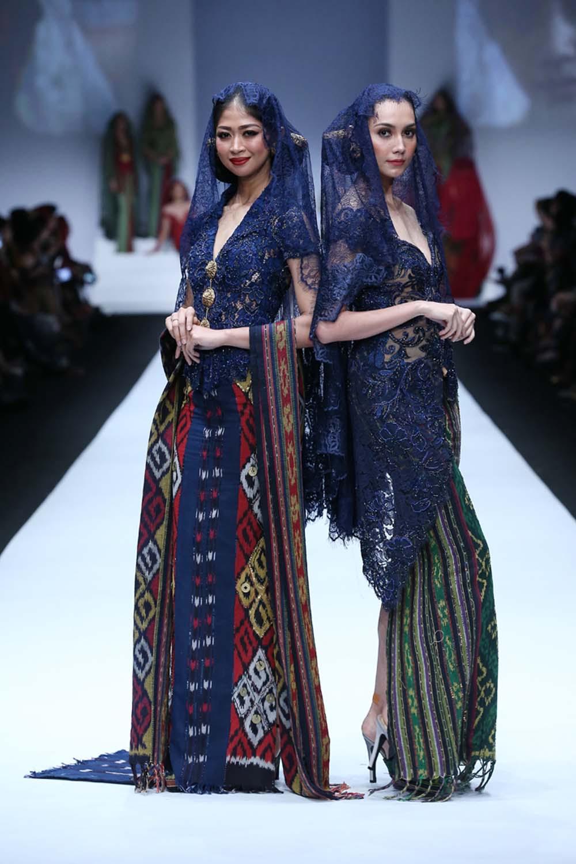 Model Kebaya Kartini Brokat
