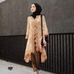 Model Kebaya Modern Muslim Bawahan Batik