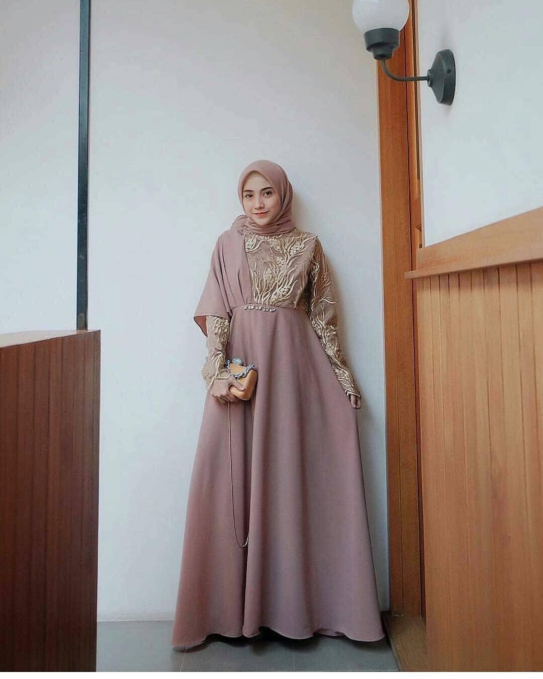 Model Kebaya Muslim Terbaru Untuk Orang Gemuk