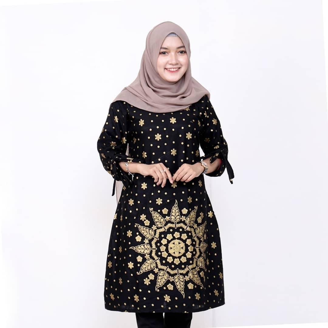 Model Tunik Batik