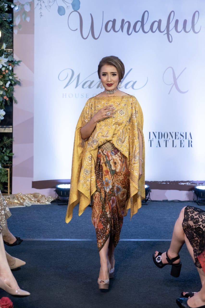 Model baju batik atasan batik kombinasi