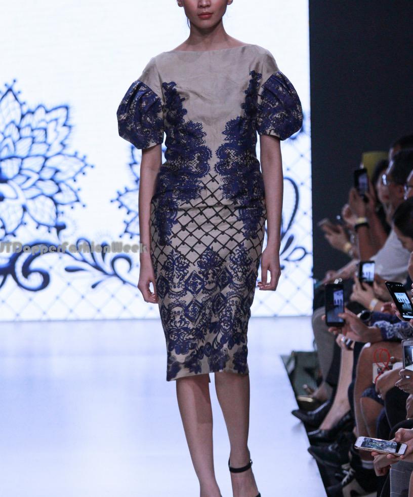 Model baju batik atasan kombinasi brokat