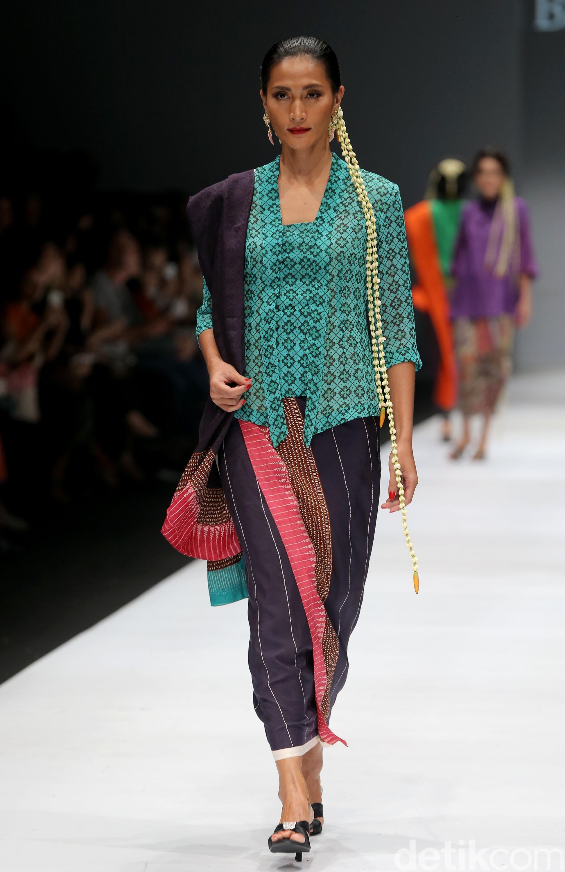 Model baju batik atasan tradisional