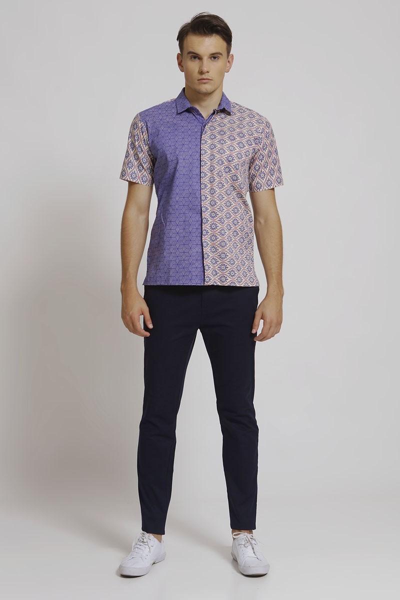 Model baju batik casual untuk berkencan