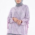 Model baju batik dengan lengan pita