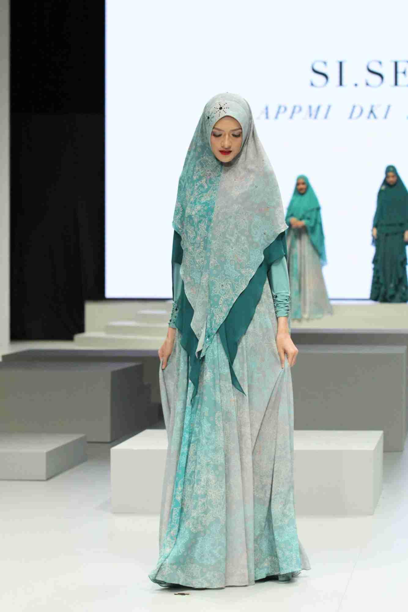 Model baju batik gamis syar'i fresh