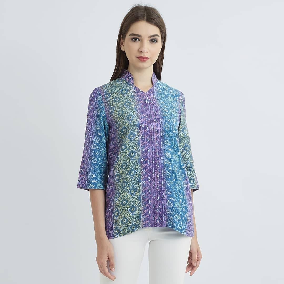 Baju kerja batik motif megamendung