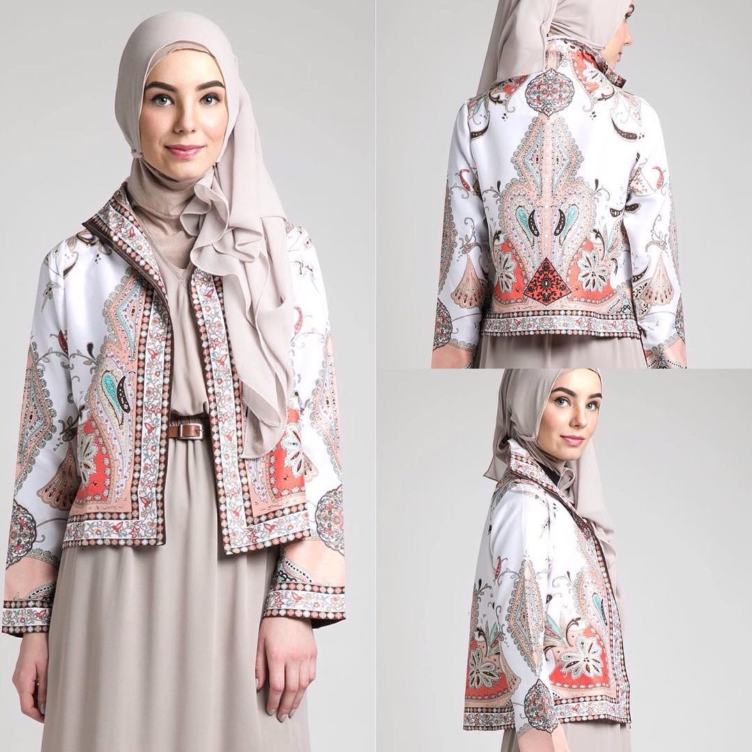 Model baju batik kerja wanita blazer pendek cantik
