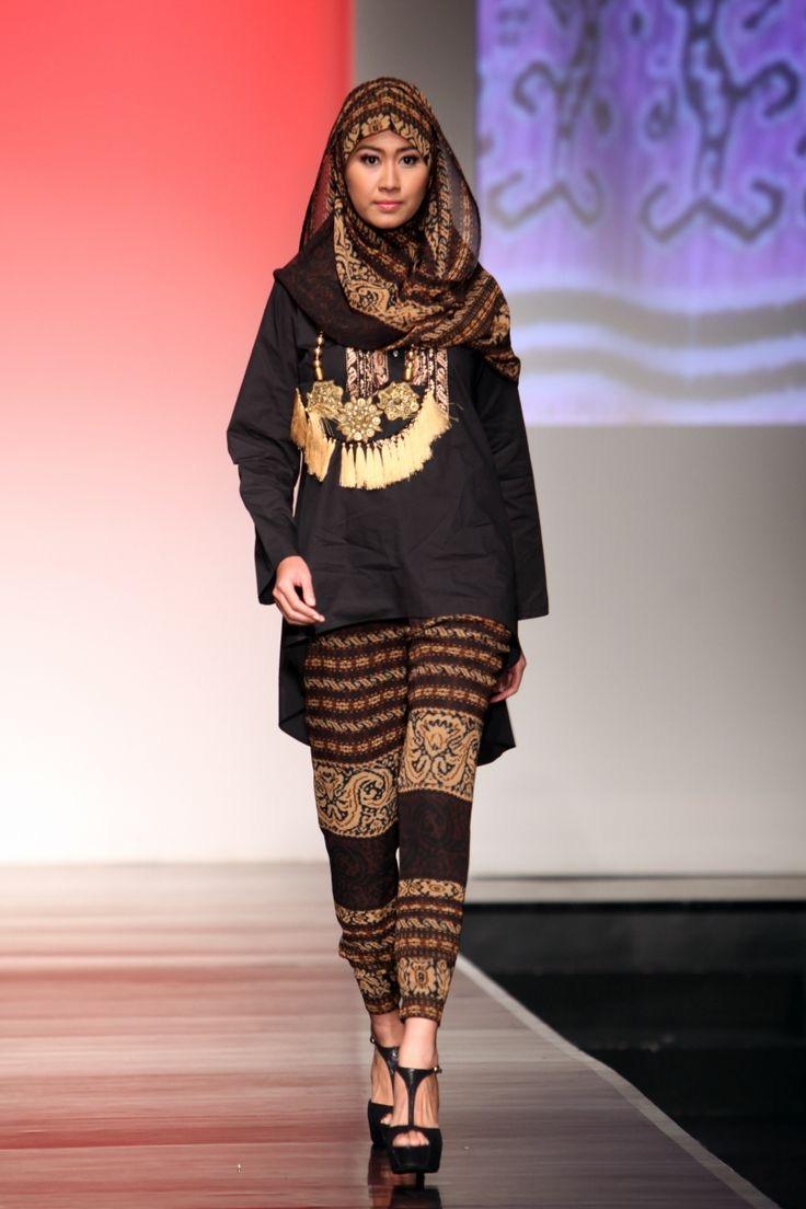 Model baju batik kombinasi atasan polos