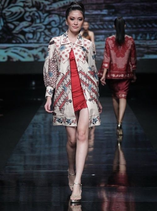 Model baju batik kombinasi gaun