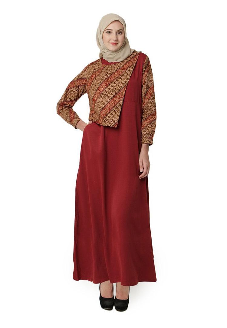 Model baju batik modern untuk pesta wanita muslim