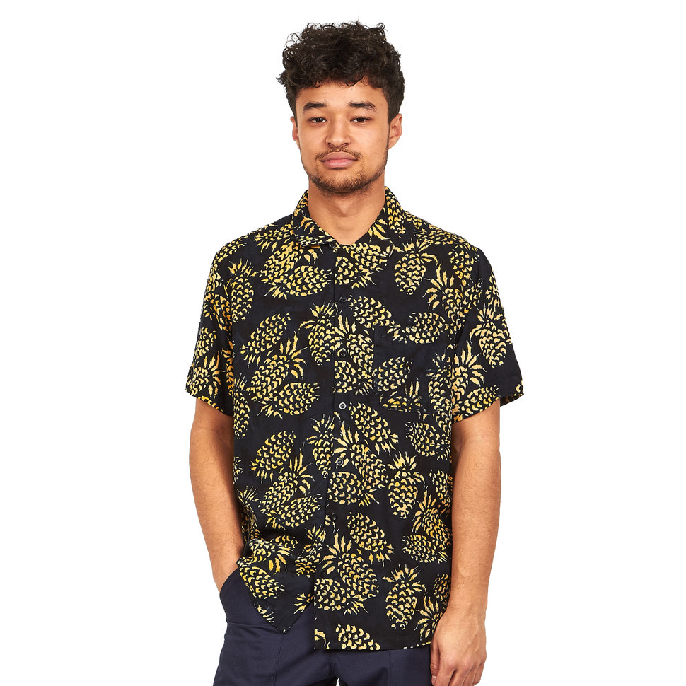 Model baju batik motif buah