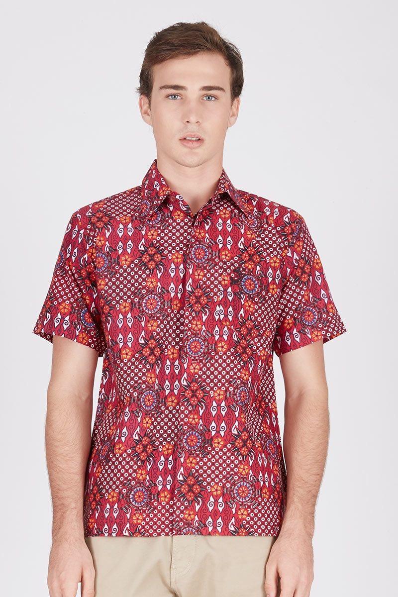 Model baju batik pria elegan sederhana