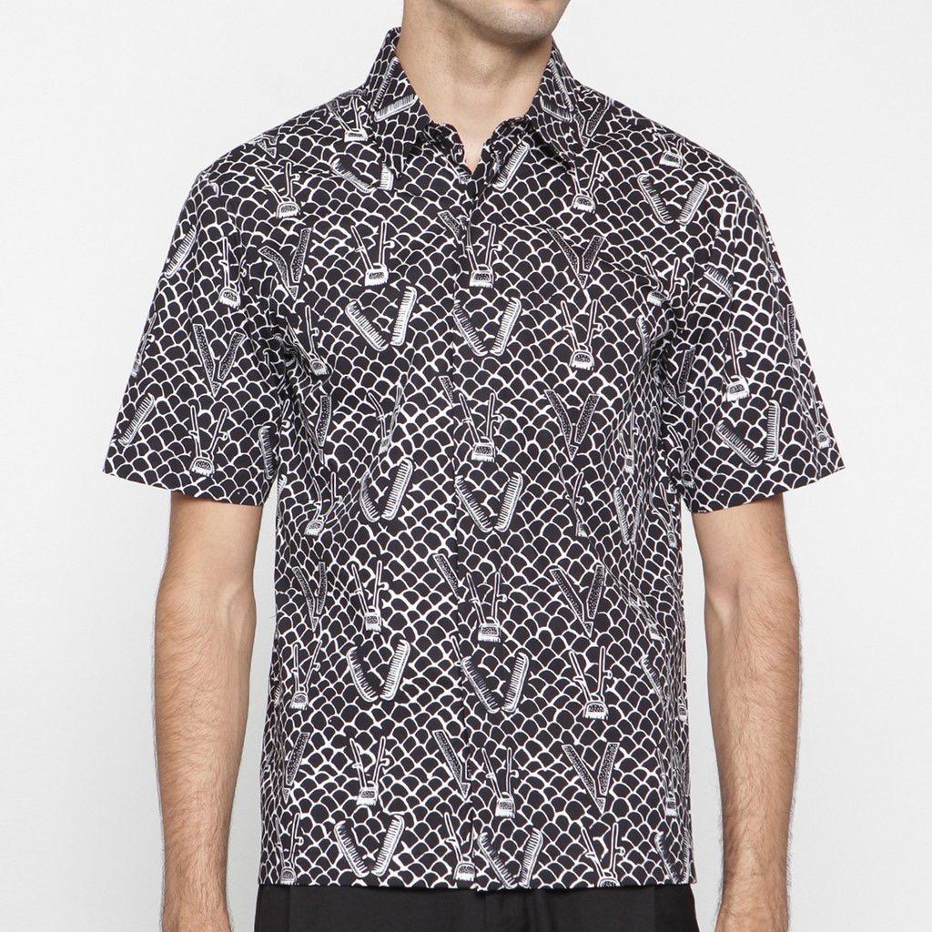 Model baju batik pria kombinasi motif batik