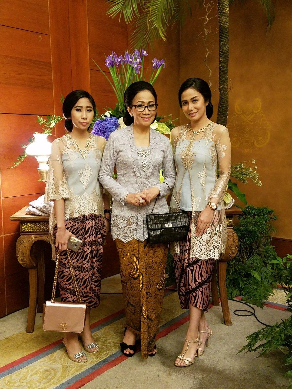 Model baju batik sederhana