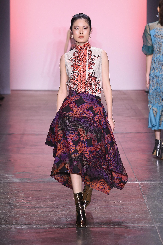 Model baju batik semi gaun pink