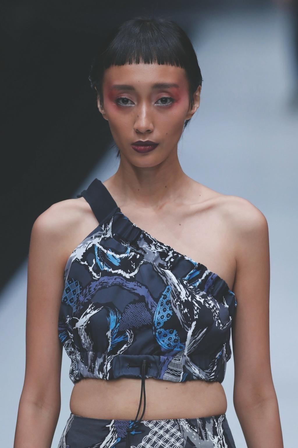 Model gaun batik kombinasi modern