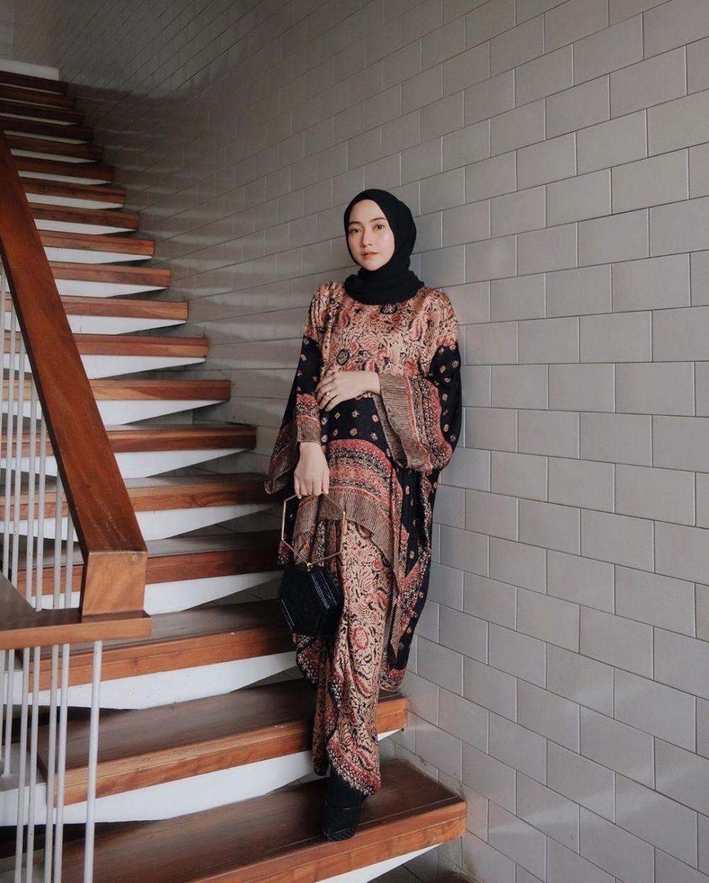 Model baju gamis batik oversized