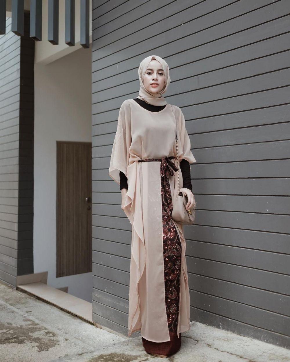 Model gamis batik terbaru untuk pesta