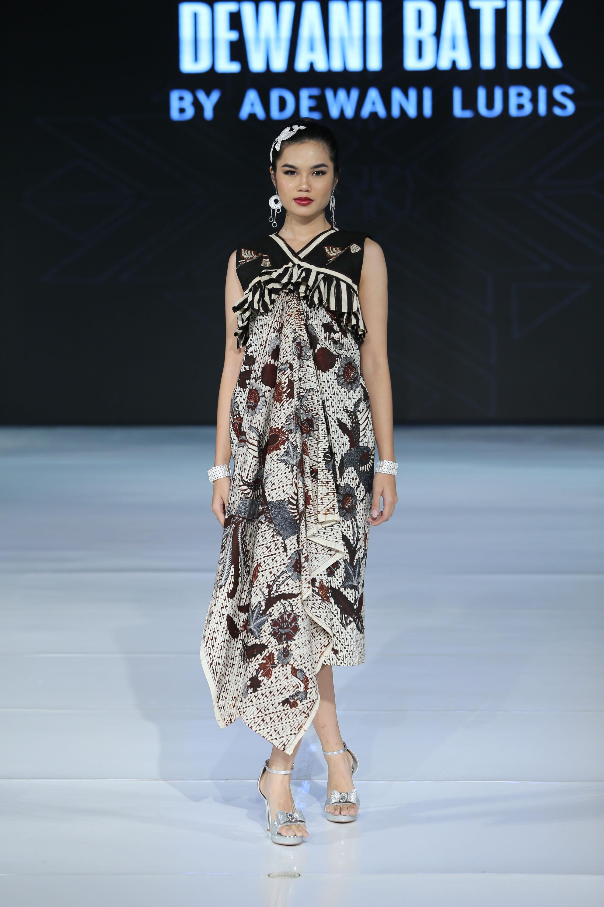 Model gaun batik lengan you can see