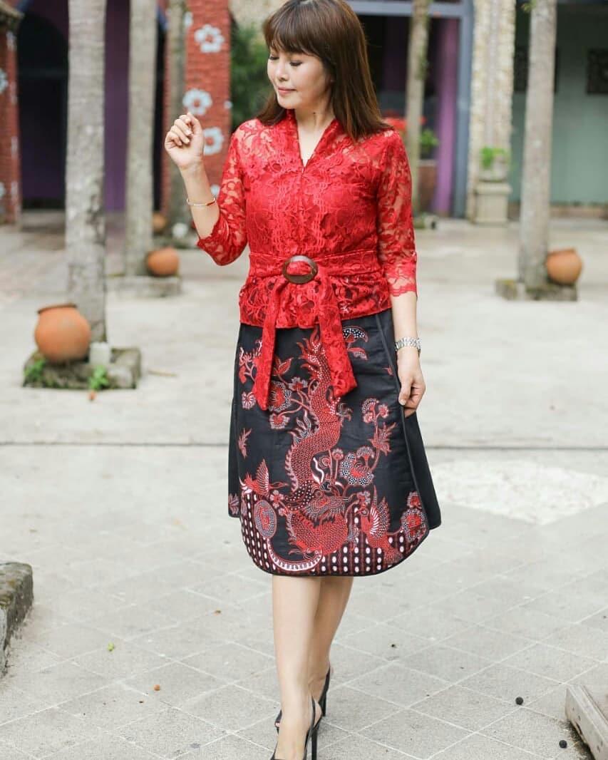 Rok batik motif naga