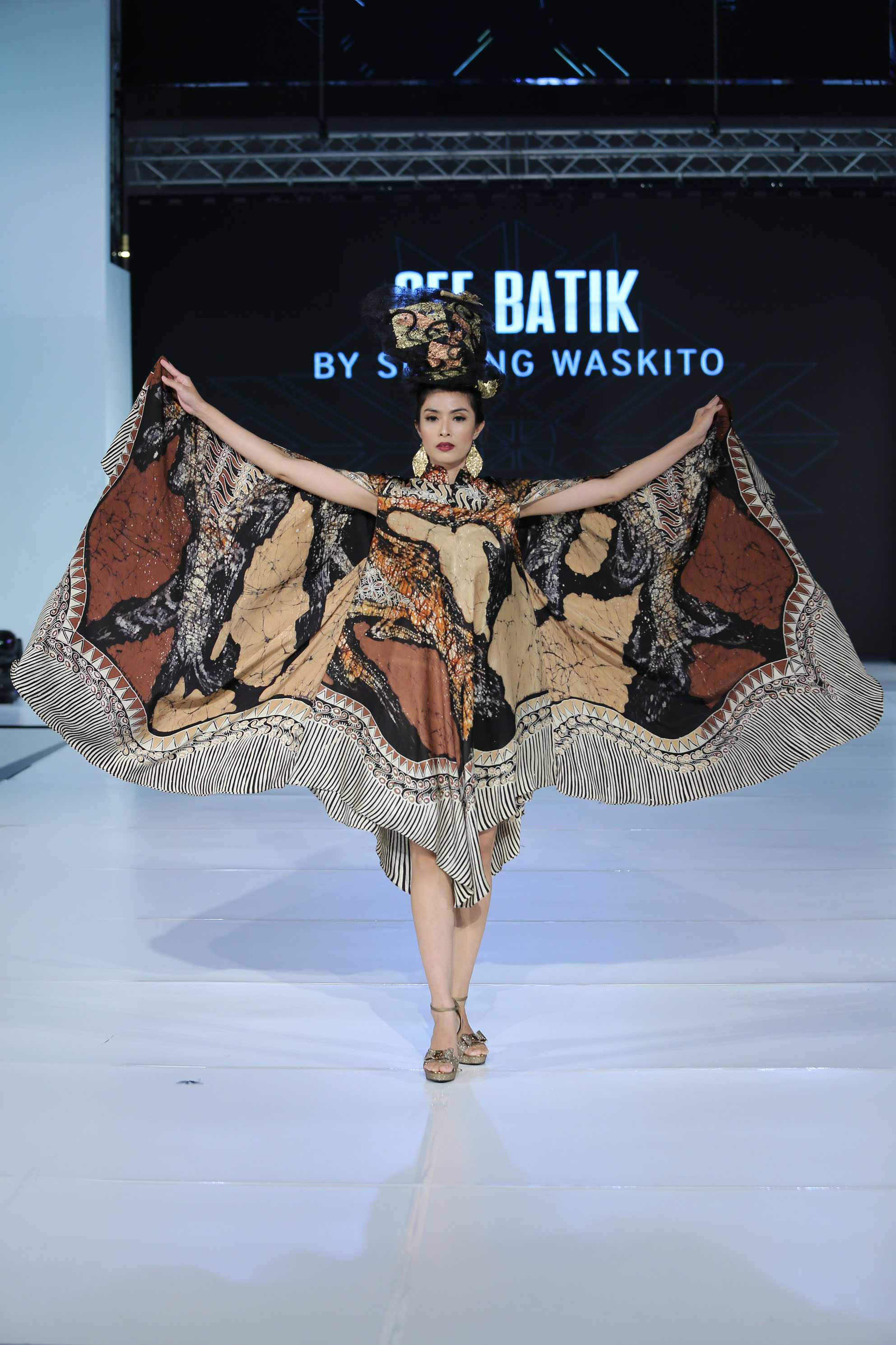 baju batik model kelelawar
