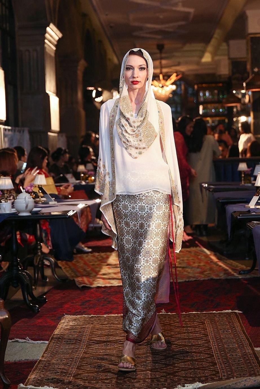 gamis potong dengan rok songkat