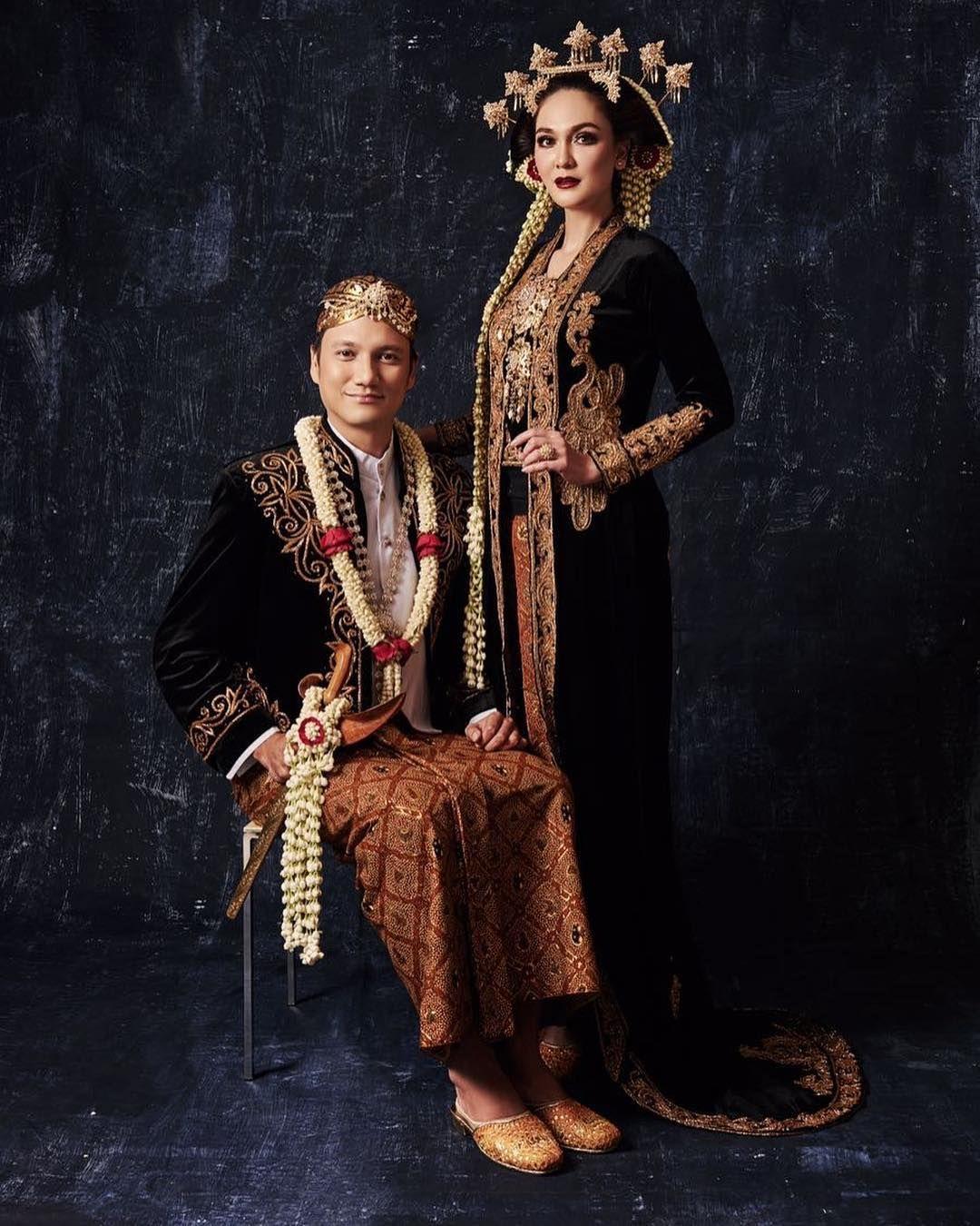 kebaya pengantin hitam panjang non paes