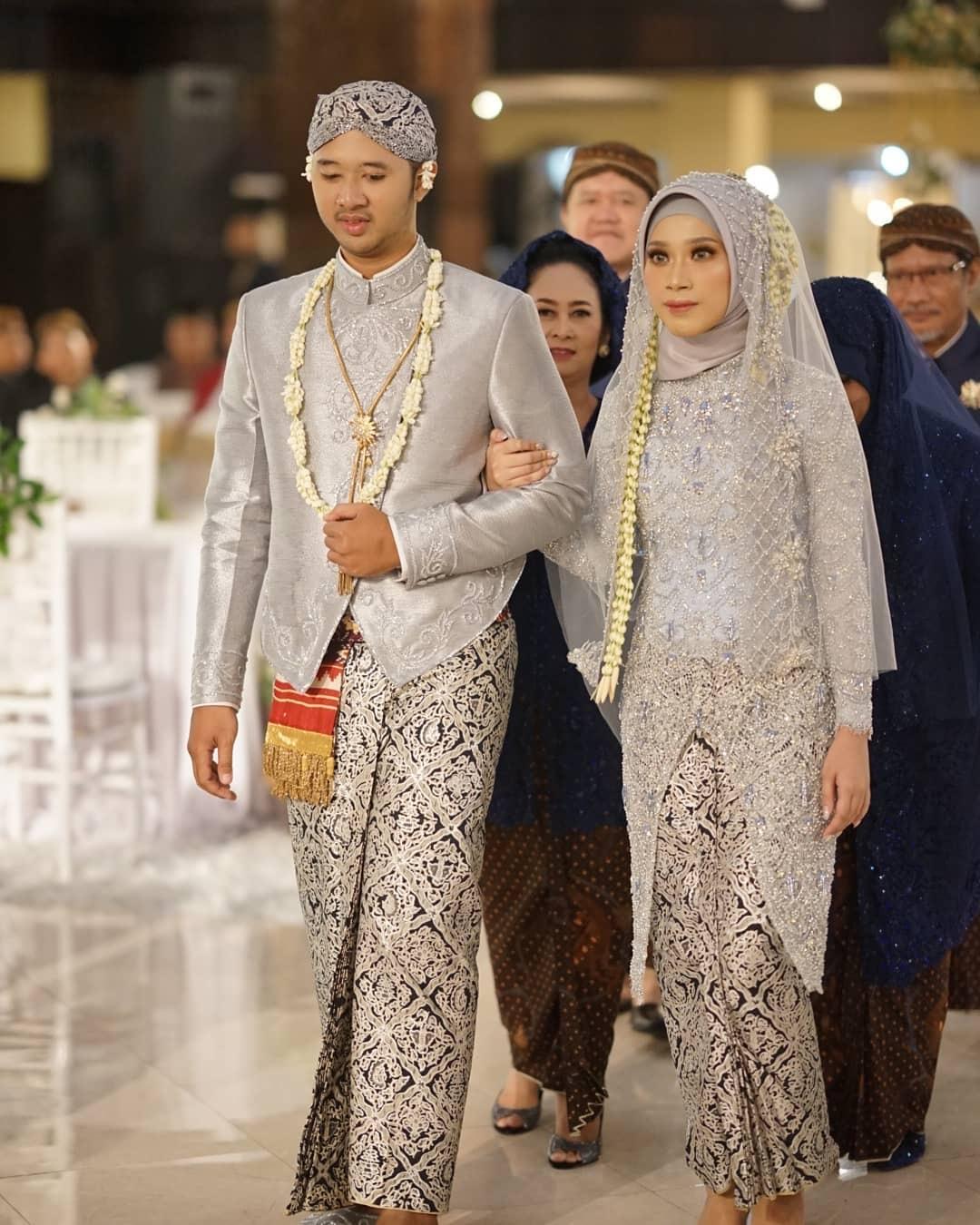 kebaya pengantin jawa hijab abu