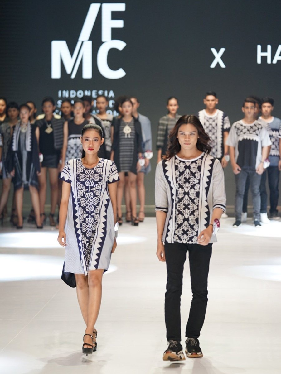 model baju batik couple model kaos