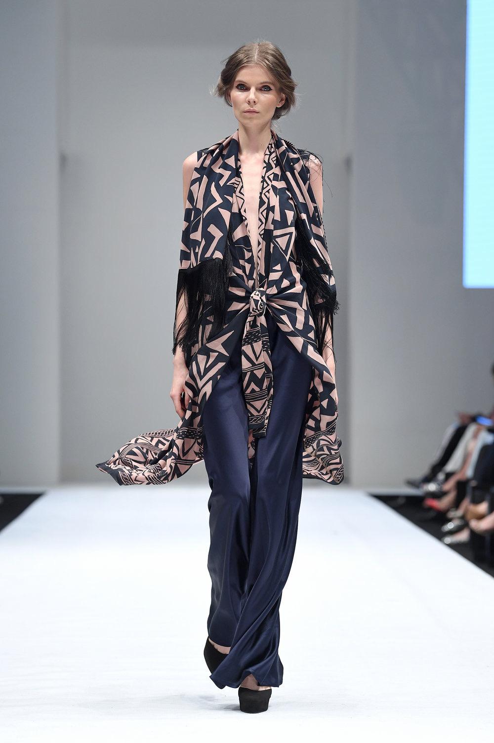 model baju batik terbuka