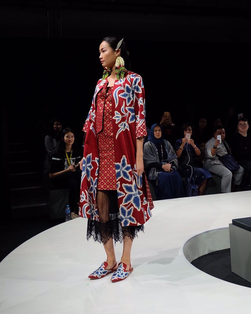 model gaun batik dan crape