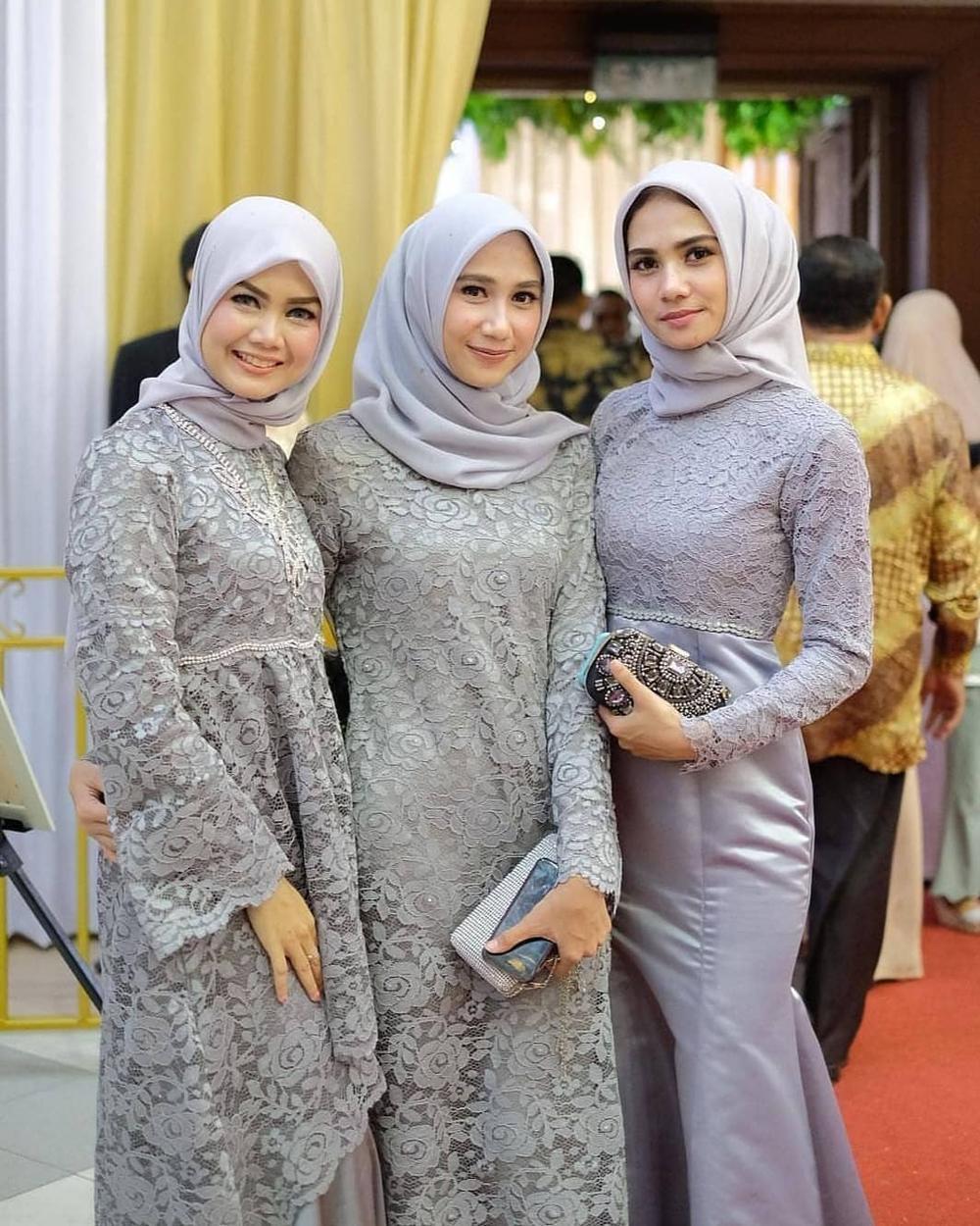 vera kebaya muslim brokat abu