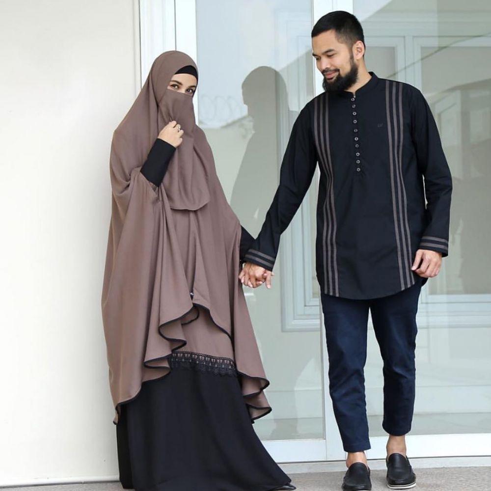 Balotelli Polos Panjang dengan Hijab Cadar