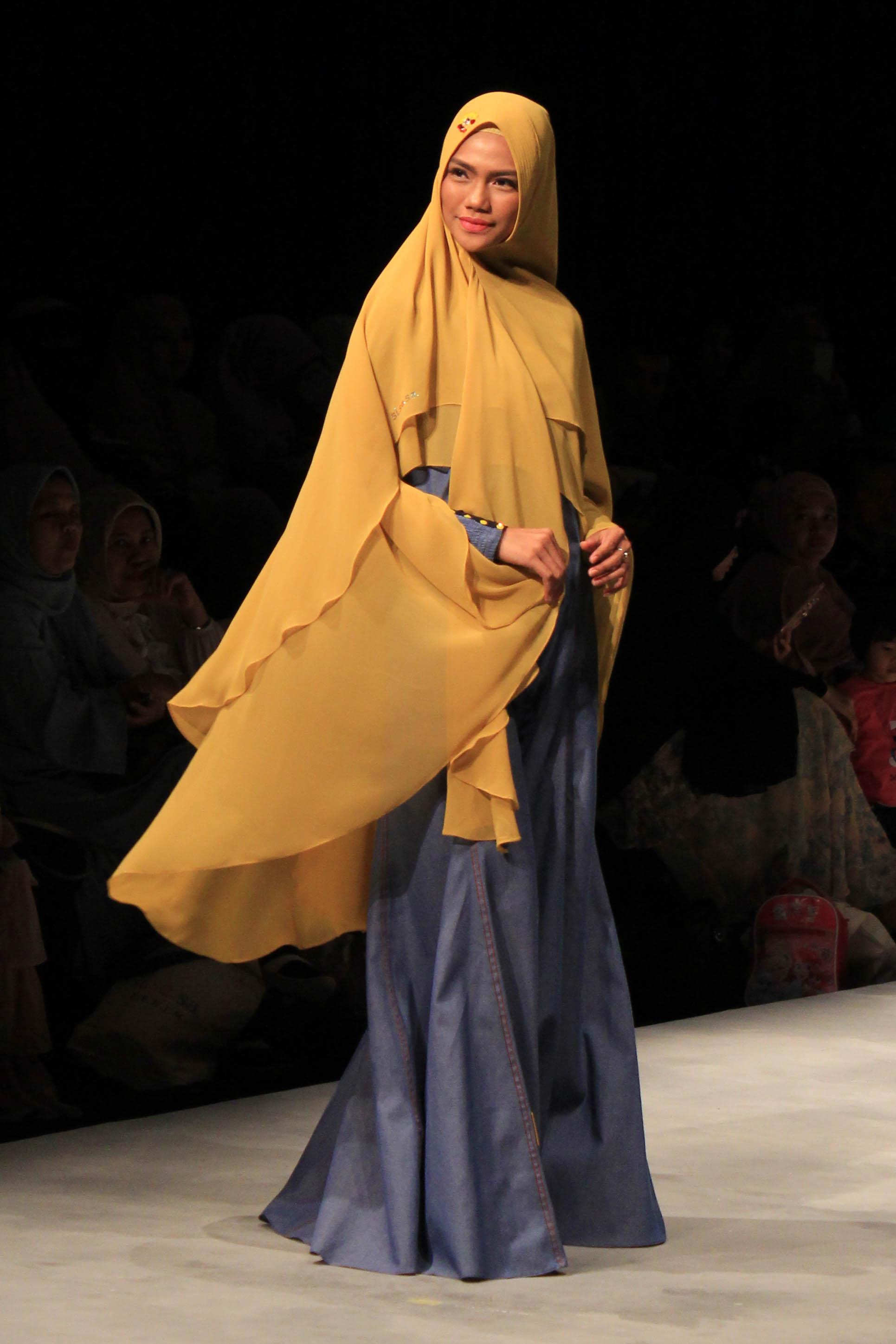 Gamis Cantik untuk Wanita Muslimah
