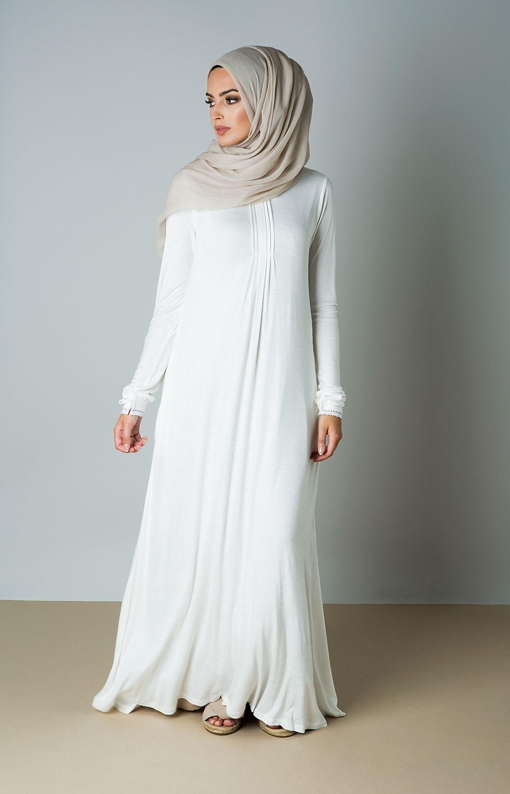Gamis Putih Polos dengan Garis Tengah