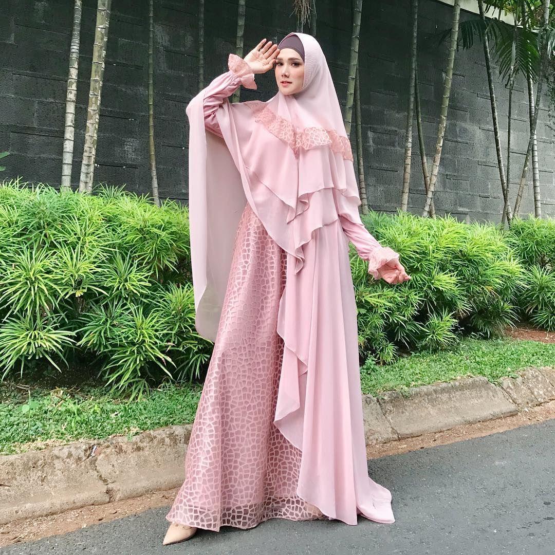 Gamis Syar'i Pink dengan Motif