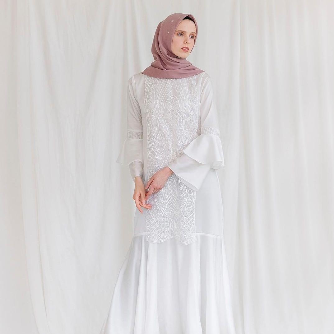 √ 12+ Model Gamis Putih Polos Kombinasi Terbaru 12