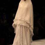 Gamis putih dengan Renda dan Brokat