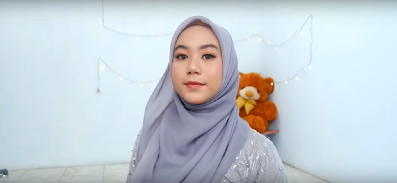 Contoh Tutorial Hijab Paris Modern