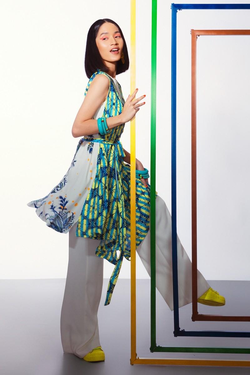 Gambar Model Baju Batik Wanita