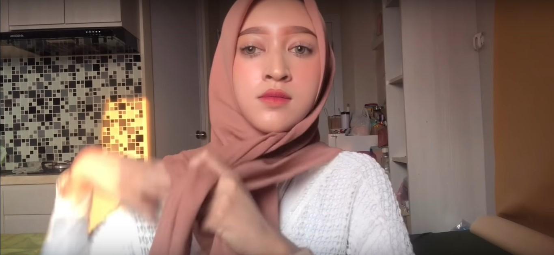 Gambar Tutorial Hijab Segi Empat Modern