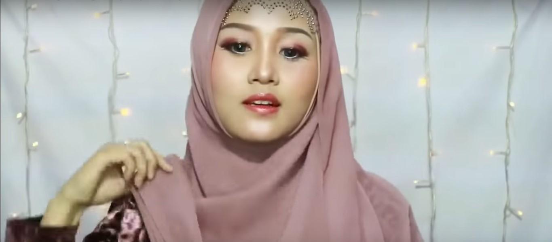 Gambar Tutorial Hijab Segitiga