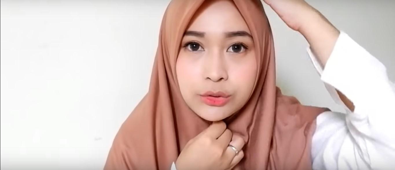 Hijab Tutorial Kerudung Segitiga